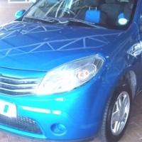 2013 Metallic Blue Renault Sandero 1.6 Dynamique
