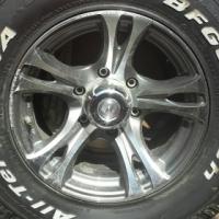 Toyota Hilux D4-D 30 x 9.50 R15LT set of mag wheels #23452