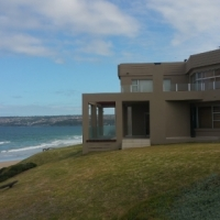 5 Bedroom Home on the beach with guesthouse potential