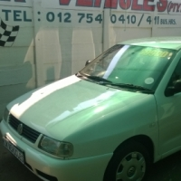 Volkswagen Polo 1.6 Classic 2000 Model Excellent Condition