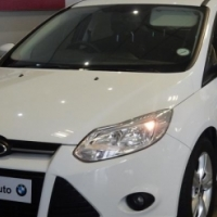 2012 Ford Focus 2.0L Hatchback (White) Manual