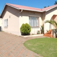 House for sale in Wentworth Park Krugersdorp