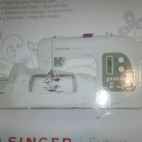 Singer Futura XL550 Embroidery and sewing machine-all in one