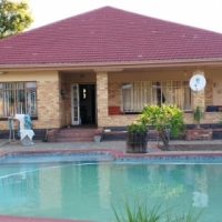 4 Bedroom Family House to rent SELCOURT SPRINGS