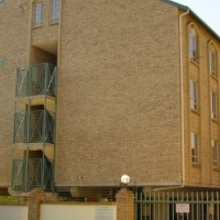 Room in a 2 bedroom flat to rent - Ladies preferred