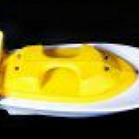 New unbreakable polyethylene remote control bait boats for sale