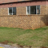 2 Bed full bathroom Townhouse with Garden in Vaalpark
