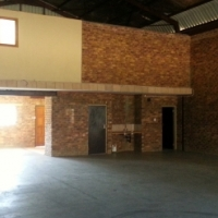 276m², WAREHOUSE TO LET, HIGHWAY BUSINESS PARK