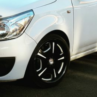17 inch white and black a line rims