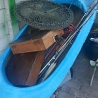 6 visstokke sonder katrolle,2 viskaste,visnet,baie vis penne en n roeiboot for sale  Pretoria North