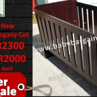 SPECIAL!!!! Brand New Large Mahogany Cot