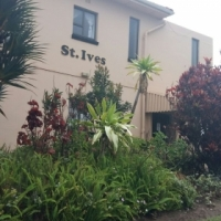Uvongo Beach front self catering 31 Mar-8 Apr at R500 a night