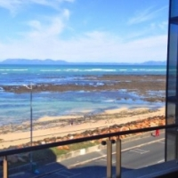 UPMARKET APARTMENT SITUATED ON STRAND BEACH ROAD!!!