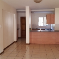Lovely 2-bed townhouse to rent in popular complex in Midrand
