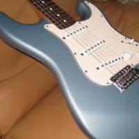 Fender Stratocaster MIM Ice Blue