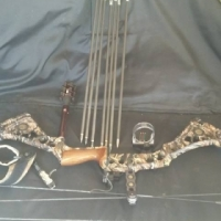 Mathews Dxt compound bow with release