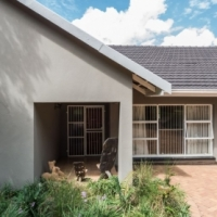 5 Bedroomed 2,5 Bathroom with Cottage, Domestic quarters.Managed by Marietjie Keet