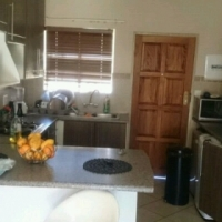 1room available in 2bedrms apart pta east mooikloof Ridge estate