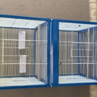 Bird cage in excellent condition for sale