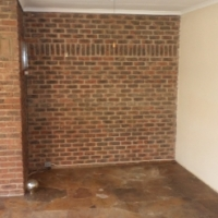BIG 4 BED FAMILY HOME WITH SWIMMING POOL AND CLOSE TO SCHOOL FOR SALE IN LYTTELTON MANOR, CENTURION