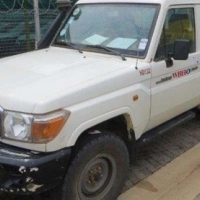 Toyota Land Cruiser HZJ76L