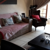 Lovely 2 bedroom flat for rent in Akasia
