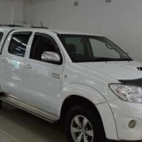 Toyota Hilux 3.0D4D D/CAB 4X4 CANOPY