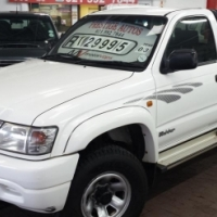 2003 Toyota Hilux 2.7 S/C with 197000Km's Full Service History with Aircon