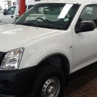 2011 Isuzu KB200, 75000kms with full service history, canopy,