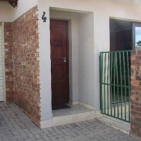 Safe 2 Bedroom townhouse for sale in Middelburg