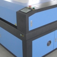 User-Friendly CO2 Cabinet 1300x900 Laser Cutter From Advanced Machinery