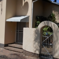 House-share, bedroom to rent to a female, Randburg   R 3500.00/m to R3750.00/m incl w/l,