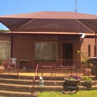 4 BEDROOM HOUSE WITH GRANNY FLAT