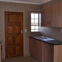 55 sqm 2 bedroom house to rent in Thatch Hill Estate