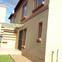 Modern 3 bedroom Townhouse for sale in Annlin