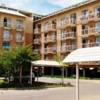 Fully furnished 1 bedroom Hillcrest Boulevard flat to rent at hatfield. opposite Gate of TUKS