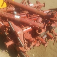 We are selling these C-lock props at Auctioneer Discount Price