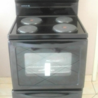 New Kelvinator Freestanding Electric Cable Stove and Oven (Still in Box)