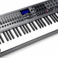 NOVATION IMPULSE 61 KEY PIANO STYLE KEYBOARD