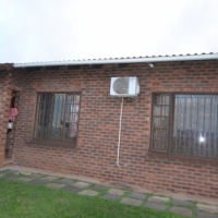 Cosy Facebrick 3 bedroom house - PRICE REDUCED URGENT SALE