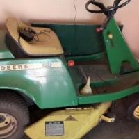 John Deere Ride on Mower