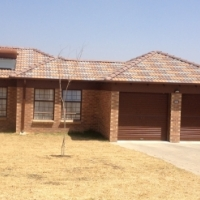 3 bedroom to rent in Amberfield