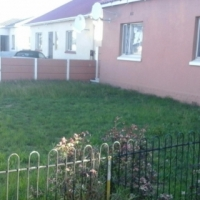 3 Bedroom house for sale in Ruyterwacht. Massive plot with big potential. Situated behind Grand Wes