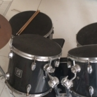 SONOR 5-piece drum kit with cymbals