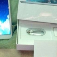 In box, Like Brand-new White iPad Mini 2... 16gb with Super Fast WiFi Capabilities for Sale...