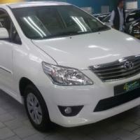 Toyota Innova 2.7 - White