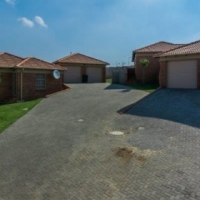 3bedroom houses to rent  in Thatch Hill Estate  near  Heuwerloord