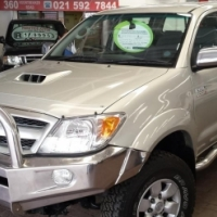 2005 Toyota Hilux 3.0 D-4D D/C 4X4 Raider with 215000Km's,Full Service History,Front Loader,Aircon