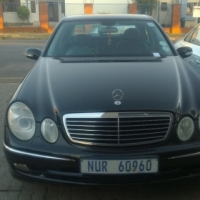black Mercedes benz e200 2007 in good condition for R 79999