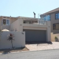 4 BEDROOM HOUSE FOR SALE IN CALYPSO BEACH